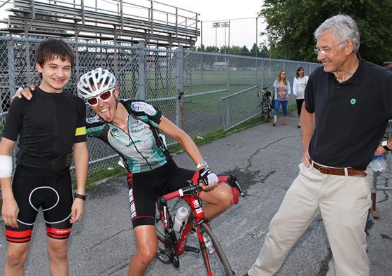 Moi en compagnie du champion minime des Mardis cycliste Lachine Griffin Schwartz et Pierre Hutsebault.